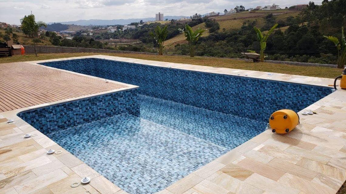 Drenar a piscina: quando e como fazer?
